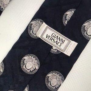Vintage Versace Medusa Black Luxury Mens Silk Tie